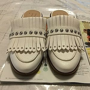 A New Day White moccasin-like sandals S 6